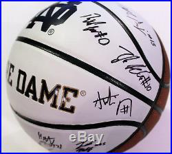 2017-18 Notre Dame Fighting Irish Team Signed Logo Basketball withCOA Mike Brey C