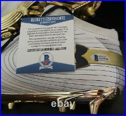 Kyle Hamilton Signed Notre Dame Under Armour Shoe Cleats WithBeckett COA AA24396